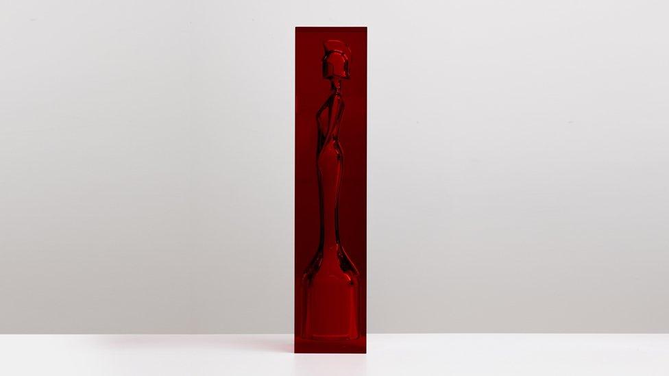 brits_2018_statue